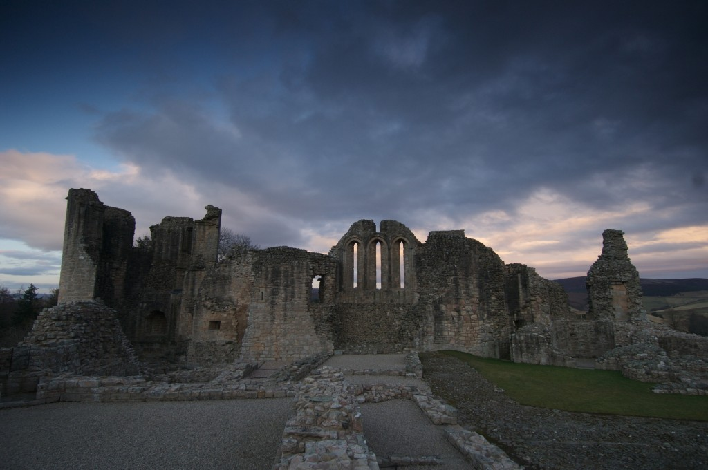 Kildrummy Castle at dusk