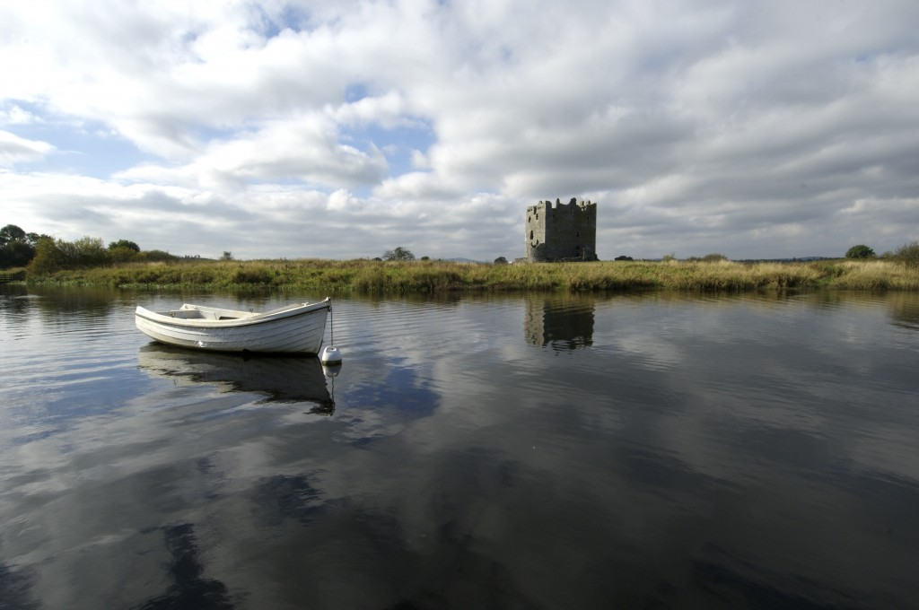 threave castle seen from the water