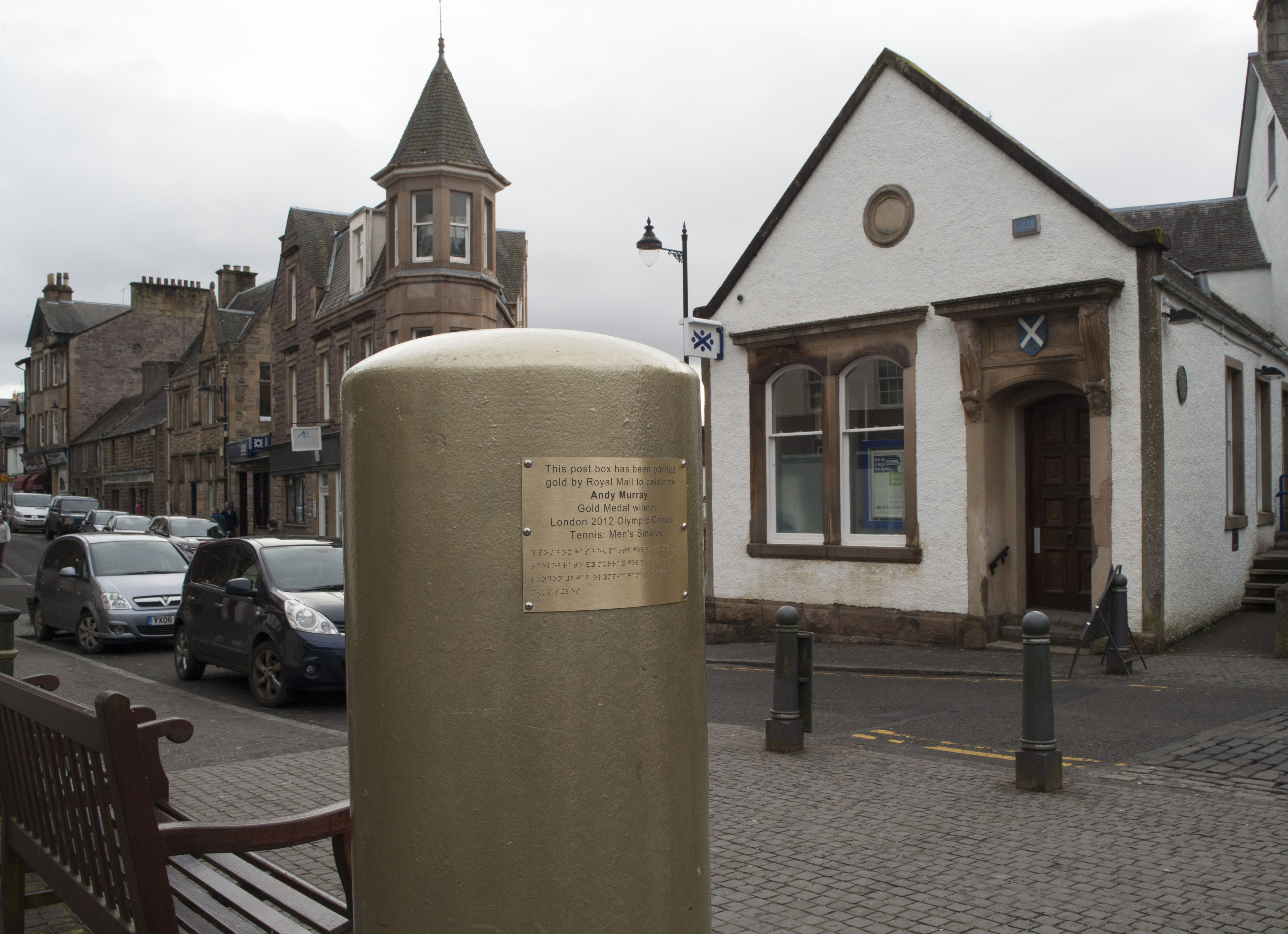 Royal Mail post box painted gold to commemorate Andy Murray's Gold Olympic Medal in 2012