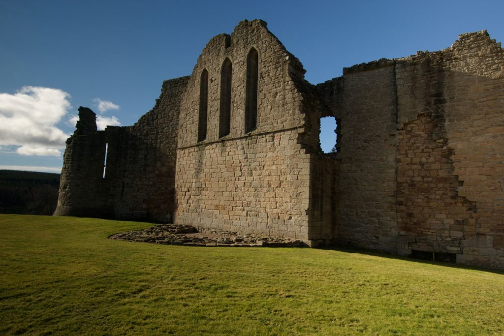 Image of castle wall ruins in the sunshine