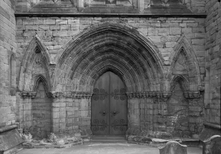 Dunblane Cathedral Entrance