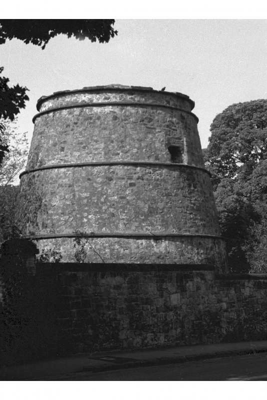 black and white view of Corstorphine Doocot