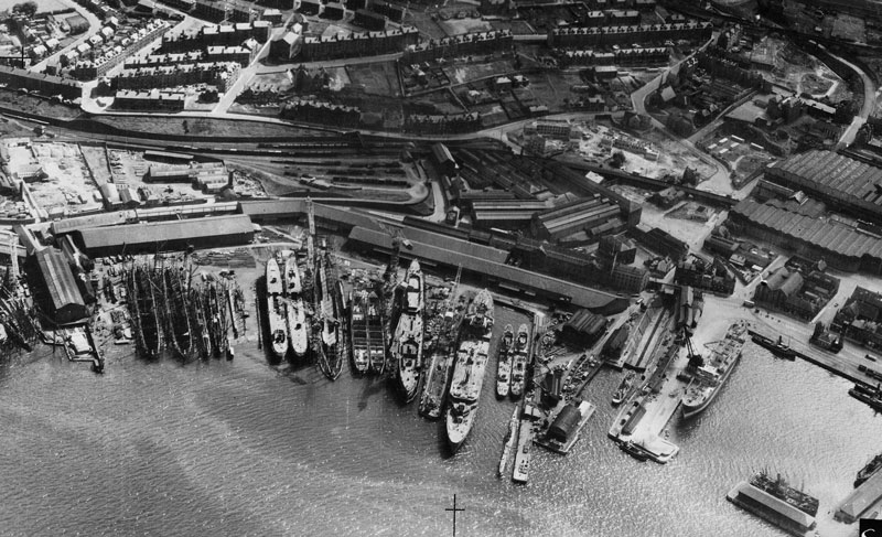 Image of a shipbuilding yard in Greenock on the river Clyde