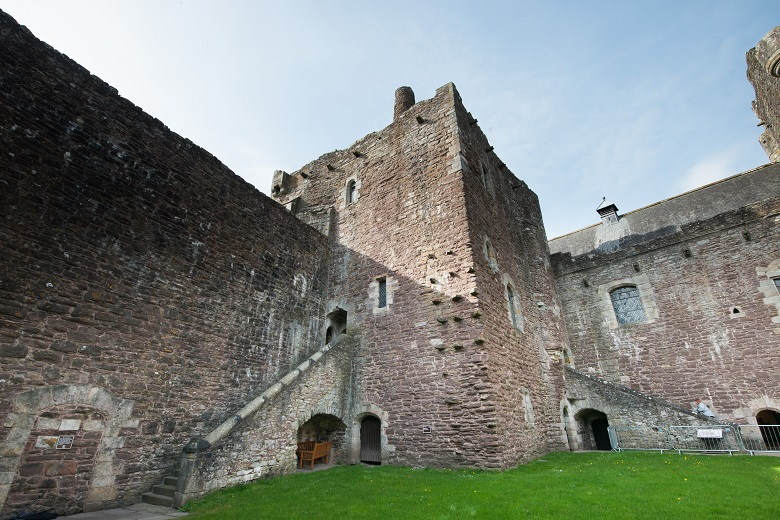 Exterior view of Doune Castle