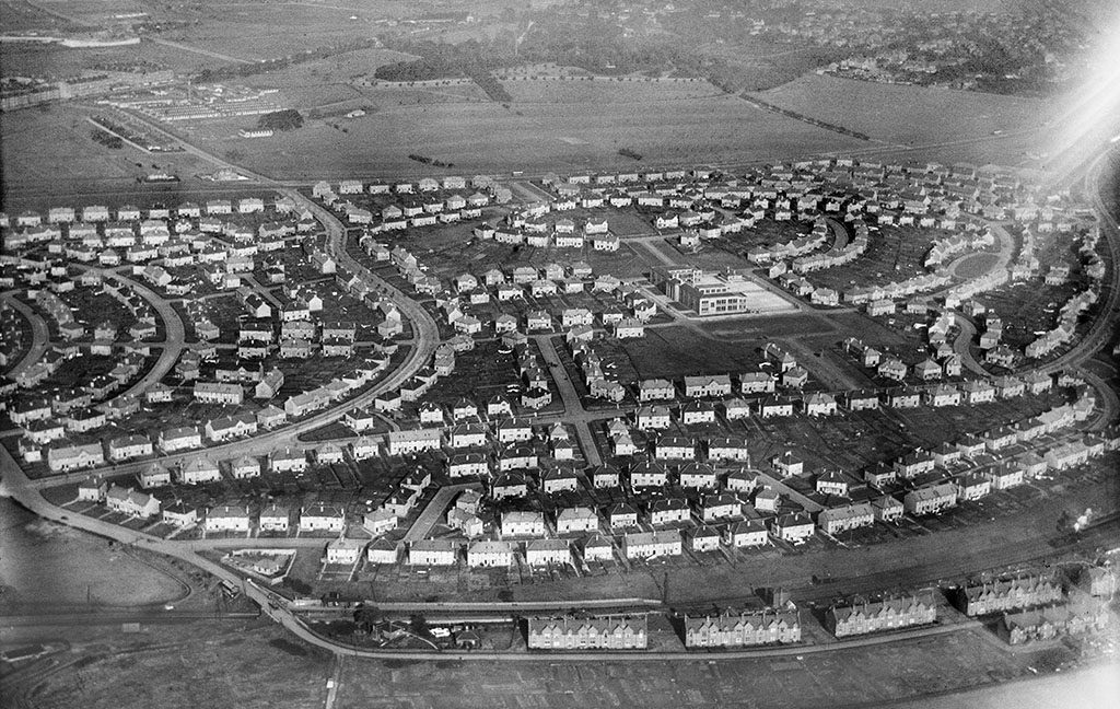 Aerial images of a large housing estate developed in Glasgow post-1919