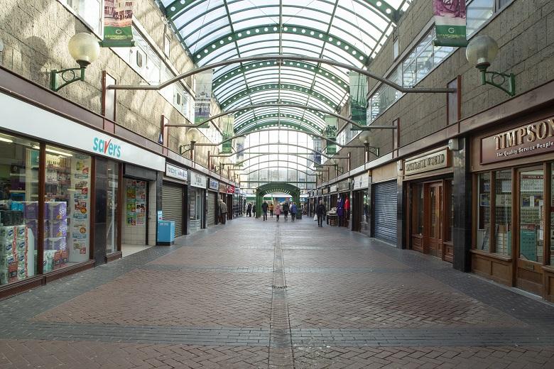 Modern photo of a shopping arcade at Grangemouth Shopping Centre