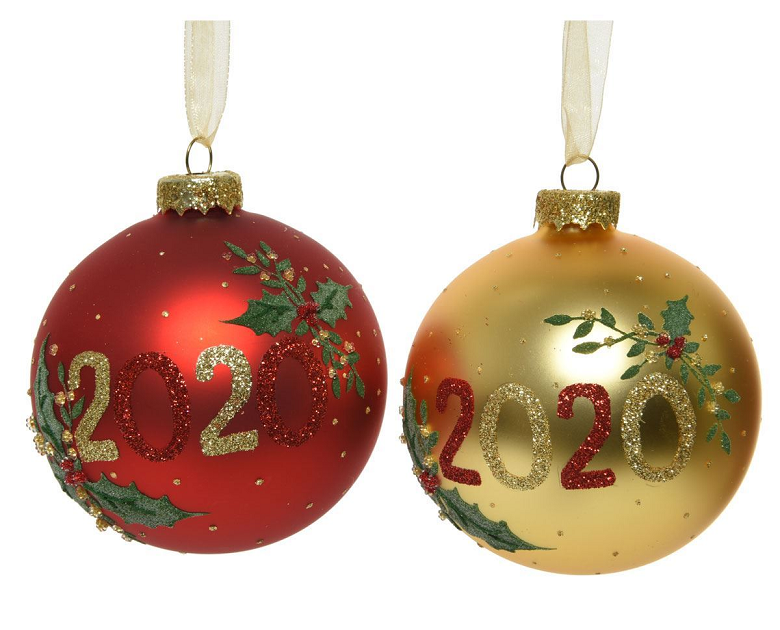 red and gold baubles with '2020' in glittery writing
